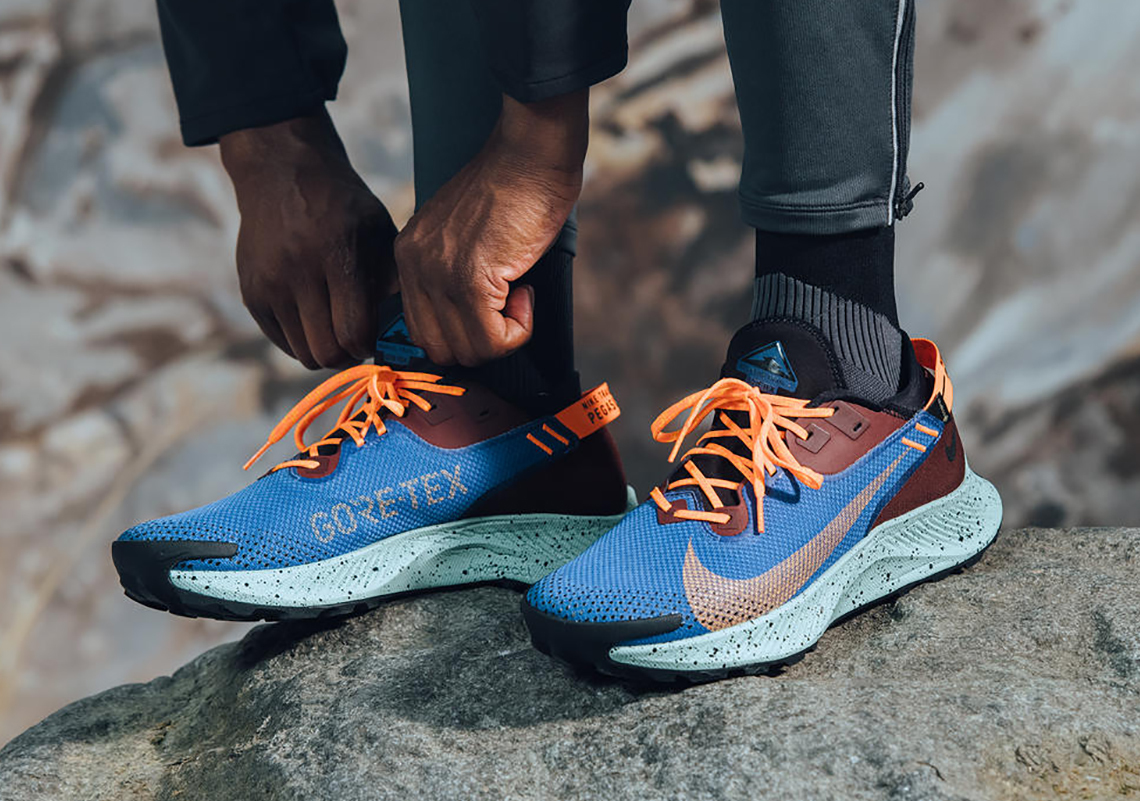 Walk for miles with the perfectly designed Nike Pegasus Trail 2 GORE-TEX.