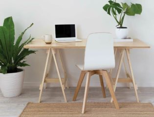 3 DIY Computer Desk Projects For People on a Tight Budget