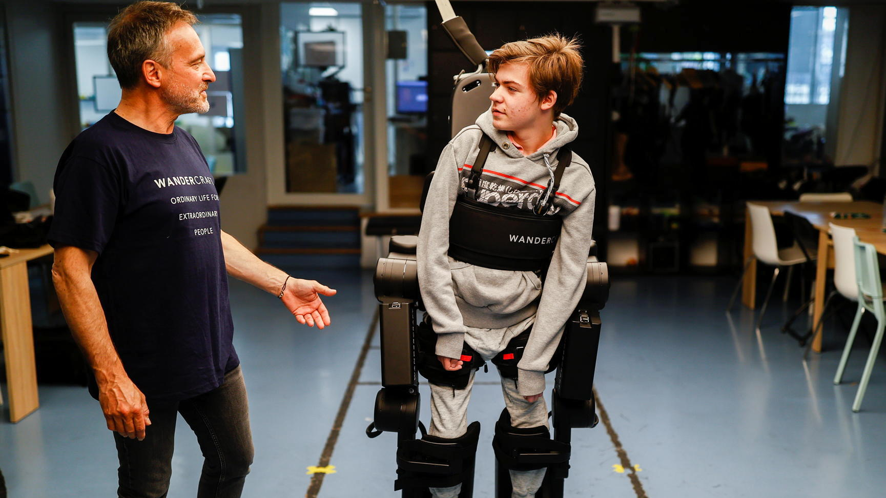 The Father of a Disabled Son Has Developed a Functioning Exoskeleton